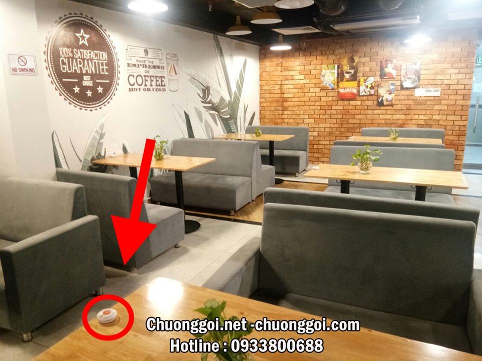 lắp đặt chuông gọi không dây cho một quán coffe hiện đại